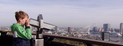 Mooi zicht vanaf de Euromast op Rotterdam