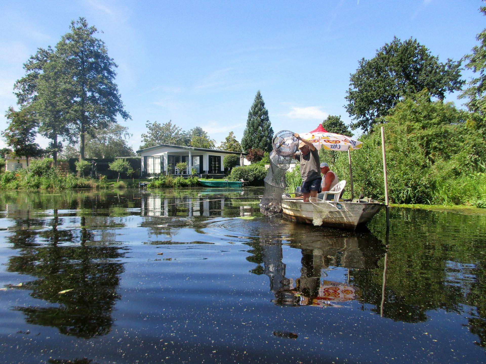 Camping aan viswater Nederland